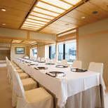 和室の落着いた雰囲気と洋室を融合した宴会場。東京湾の雄大な眺めをご覧頂けます。