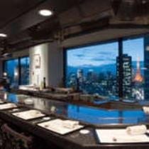 東京タワーや汐留高層ビル群のシティービューが一面に広がり圧巻です。