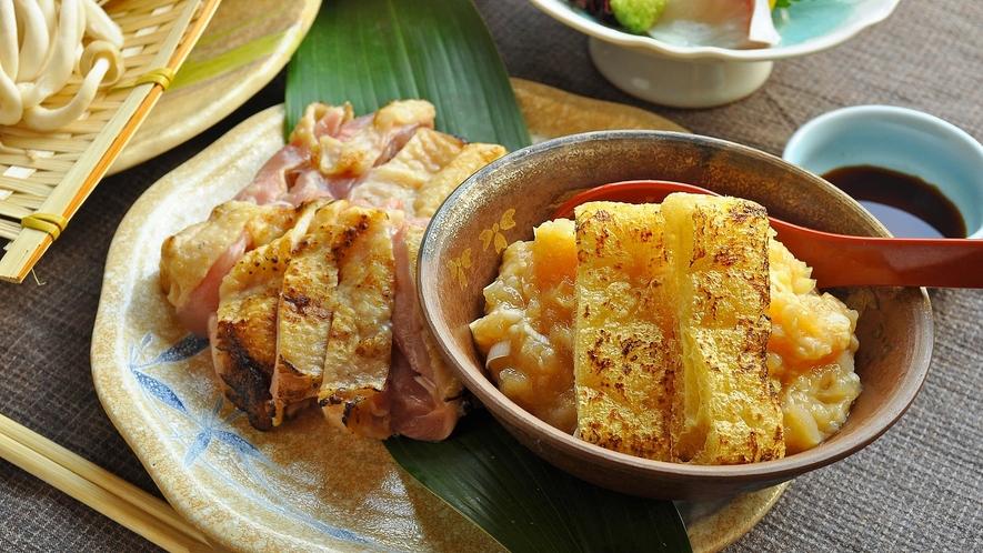 【地鶏鍋一例】もも肉あぶり・胸肉つくね※冬季限定