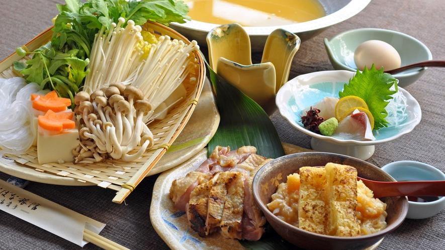 【地鶏鍋一例】お汁もとっても美味しい☆ヘルシー&コラーゲンたっぷり※冬季限定