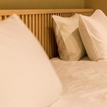 客室ベッド周り
