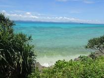 古宇利島の青い海