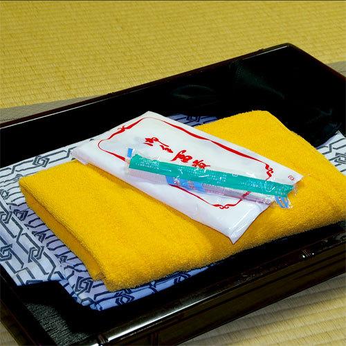 【アメニティセット】浴衣・タオル・歯ブラシ・・基本的なアメニティは揃えております。