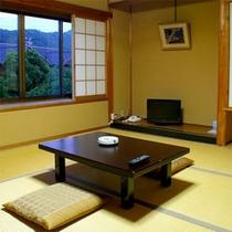 【和室8畳】ゆっくりおくつろぎいただけるお部屋です。