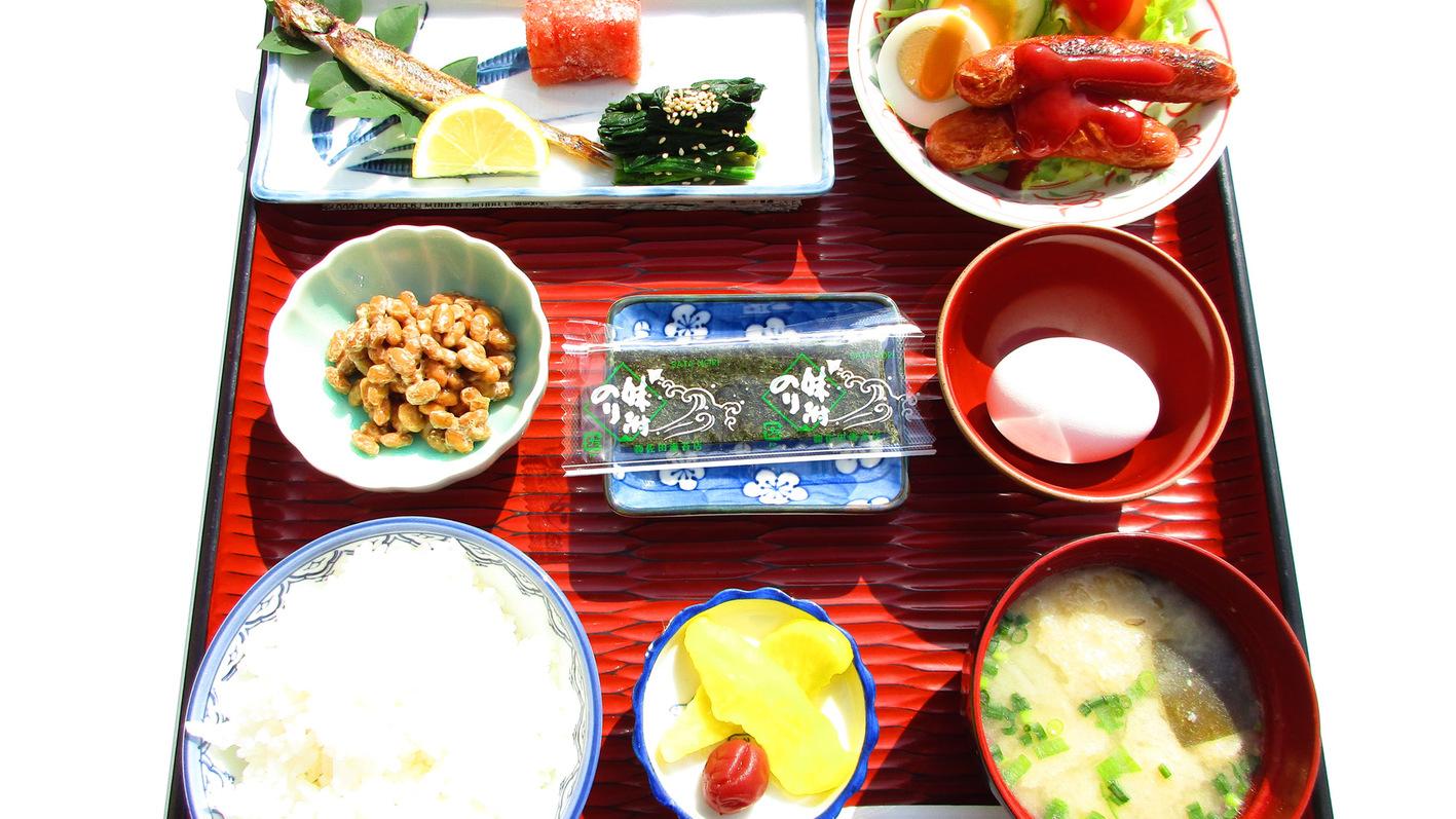 朝食一例2:白いご飯とみそ汁はおかわりできます。