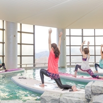 Hot spring SUP Yoga3