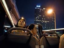 オープントップバス 福岡タワー、ヤフオクドーム周辺までむかいます