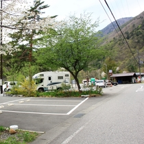 【施設】駐車場 (2)