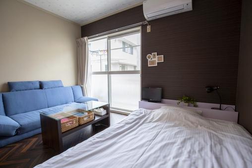 ダブルベッド&ソファーベッドA1階