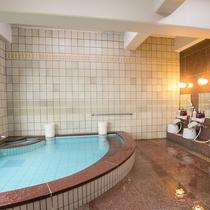 展望浴場(男性風呂)少しコンパクトです。(^_^*)
