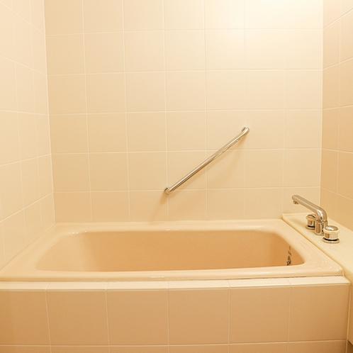 *【温泉街側・ファミリールーム一例/お風呂】小さなお子様連れにも安心です!