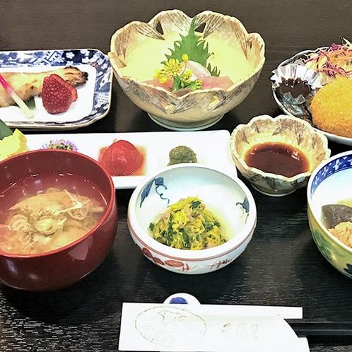 *【割烹 千渡里・お料理一例】季節の「村上」食材を活かしたお料理