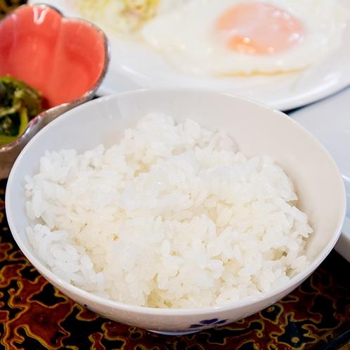 *【朝食一例】新潟県産コシヒカリの3大産地のひとつ「岩船産コシヒカリ」をご用意