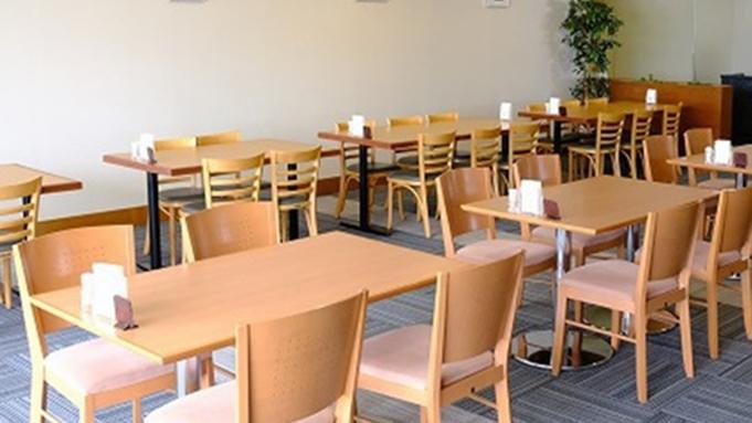 【カップル】ホテルおすすめ♪朝食付!ご飯・ドリンクおかわり自由♪無料Wi-Fi