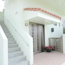 *[入口]各お部屋施設入口からお部屋まで直結です。