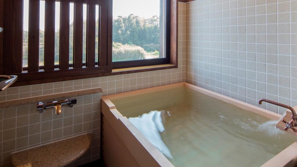 【客室風呂】檜内風呂