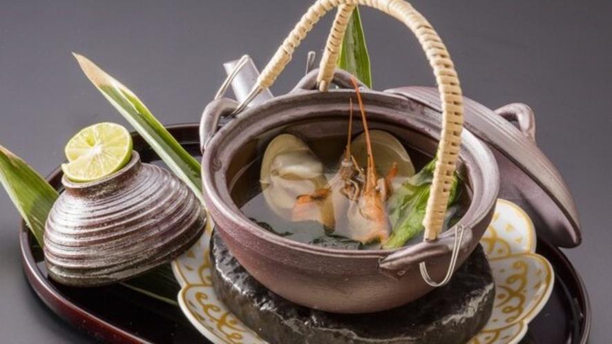 【夕餉~先椀~】蛤と川海老の土瓶蒸し