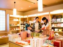 【売店:結】山陰・島根の流行のお土産をそろえております♪