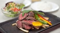 ランチ:牛ロースのステーキ ガーリックバター&ソイソース(1,650円)