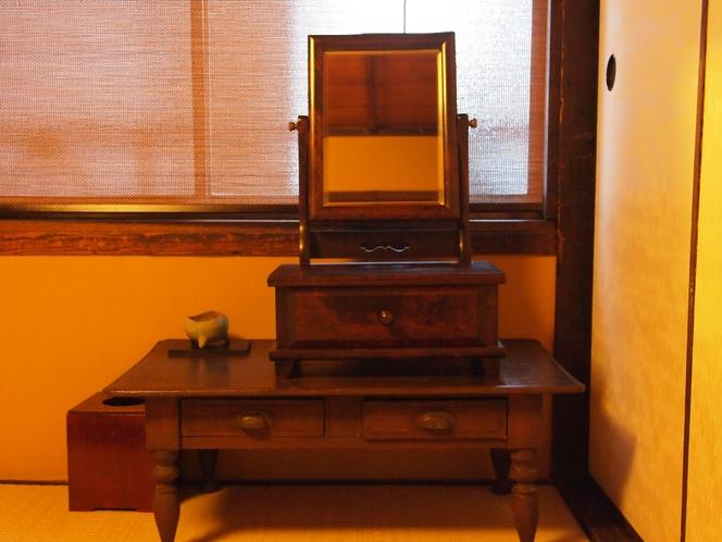 2階和室 姫鏡台