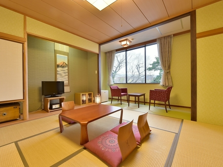 全室鴨川向き 和室8畳トイレ付・風呂なし(8A)
