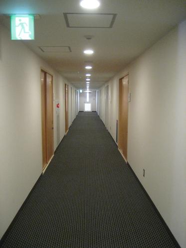 4階 宿泊階 通路