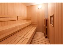 男性用大浴場には国産ヒノキを使用したサウナを完備