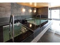 男性用大浴場・浴槽
