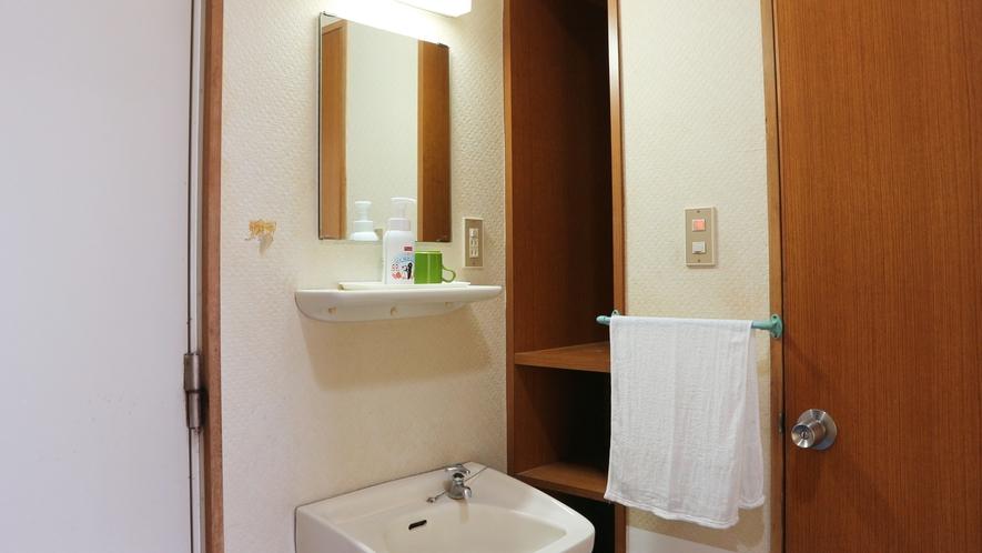 *客室洗面台/すべてのお部屋に洗面台付き