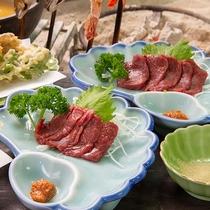 *馬刺し/会津の名物である馬刺しは、味噌タレでお召し上がりいただけます