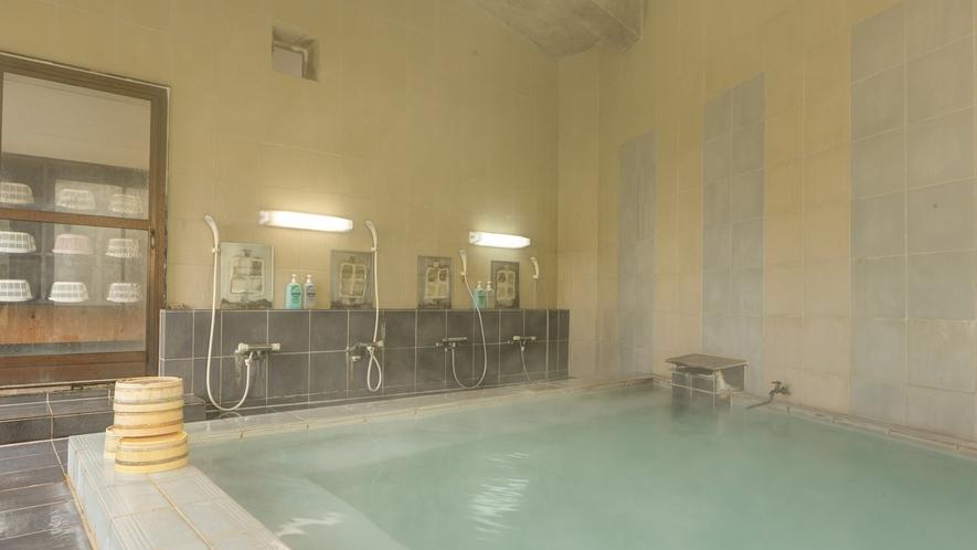 *男湯内湯/浴槽も洗い場も広々♪ゆったりと疲れを癒せます