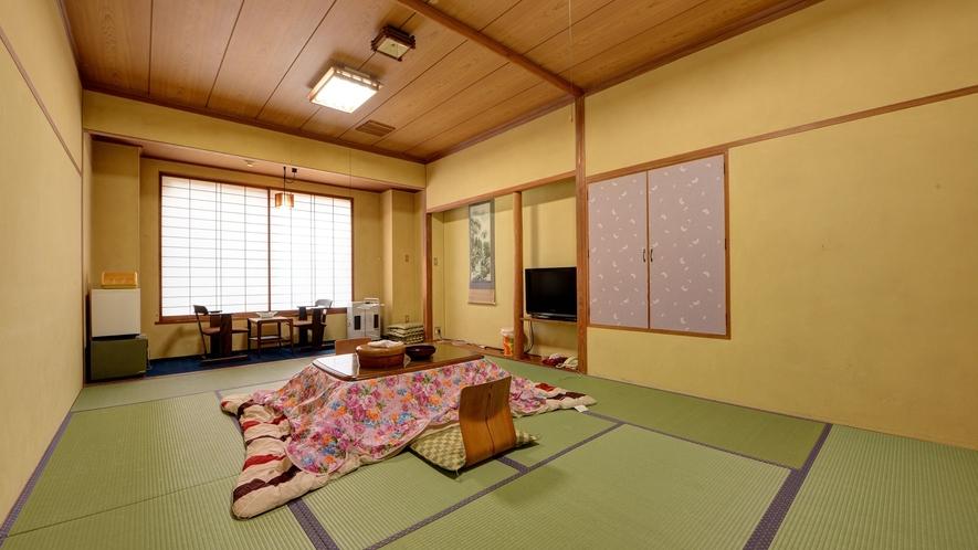 *和室12畳一例/冬はこたつで寛ぎの空間に。