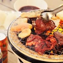 BBQ:地産の食材を使った七輪BBQ!秘伝のタレに漬け込んだ牛肉は柔らかくジューシー!