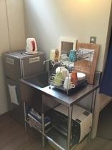 2階・共有キッチン...冷蔵庫、トースター、湯沸しポット