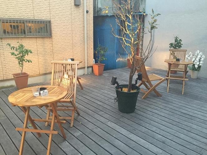 1階カフェ・テラス(喫煙可)