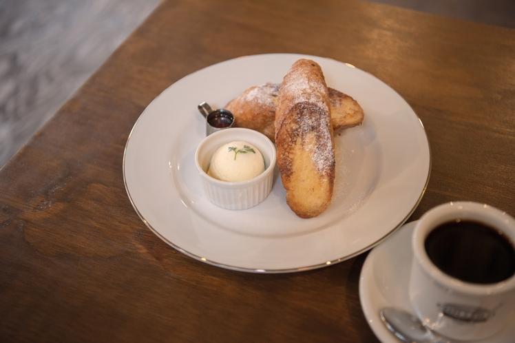 1階カフェ 「フレンチトースト」