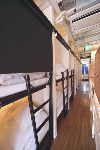 2段ベッド・ブラインドカーテン