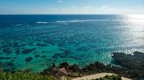 ホテルのすぐ目の前に広がる宮古島の海