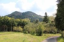 村の周囲の景色