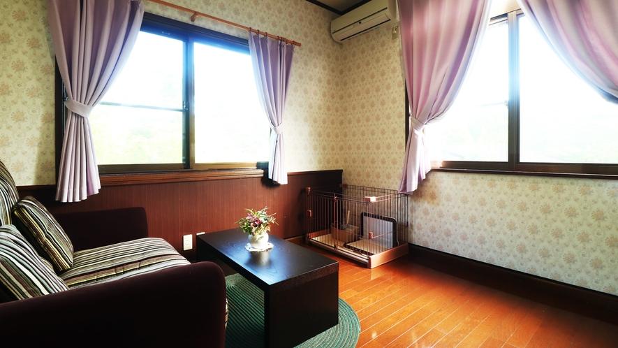 【客室一例】雄大な自然を間近に堪能できるゆっくりとした空間で、ごゆっくりとお過ごしください。
