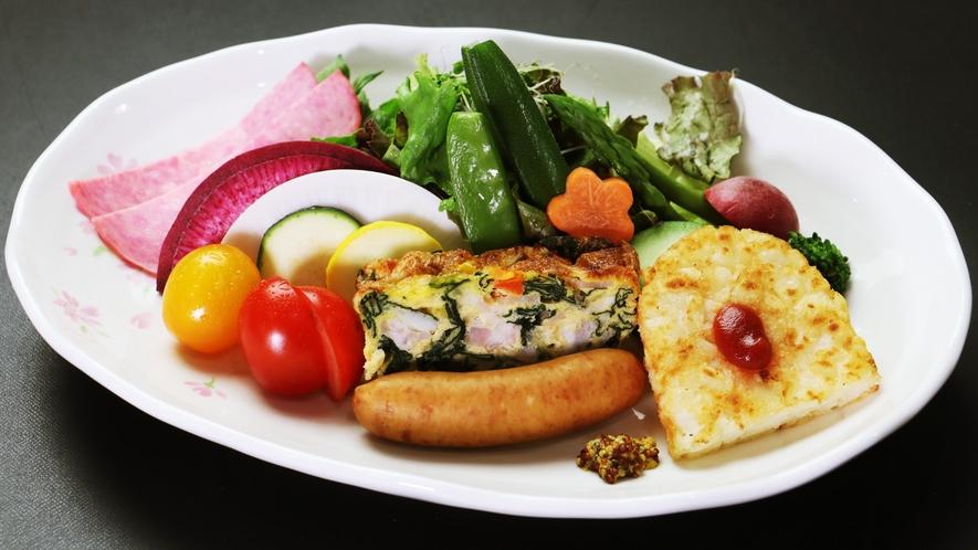 【ご朝食一例-プレート】素材の味にこだわったお食事です。