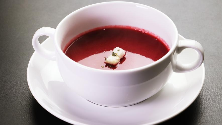 【ご夕食単品-シェフおすすめ本日のスープ】当日にならないとどんなスープかわからないお楽しみメニュー