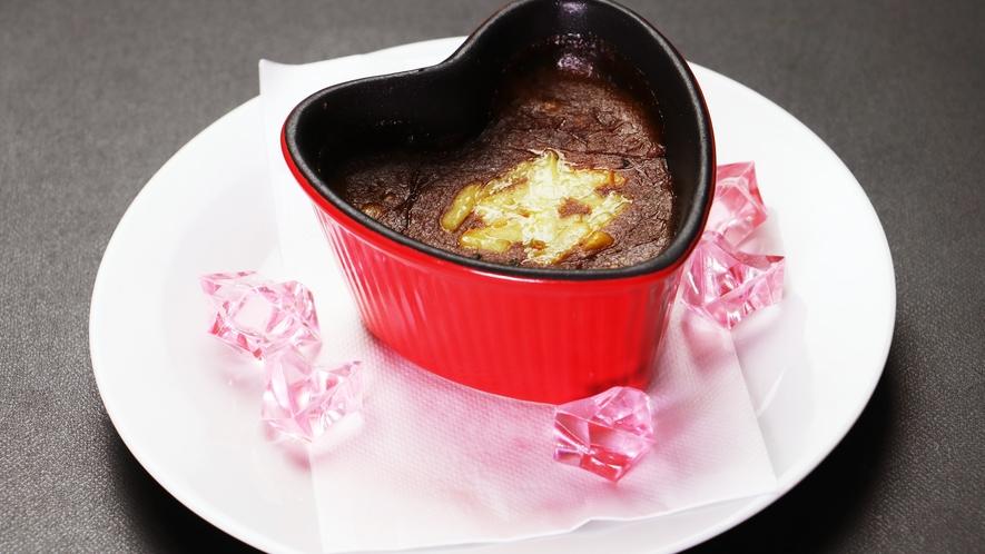 【ご朝食一例-焼きチーズカレー】あつあつのカレーとチーズの相性が抜群!