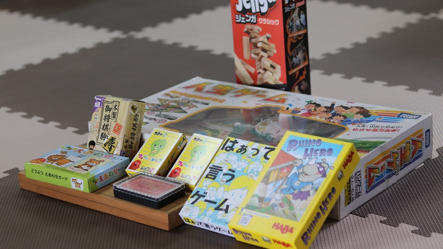■今人気のカードゲーム。ご利用の際はフロントまでどうぞ。