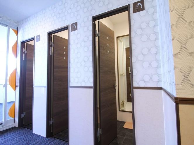 入口がオシャレなシャワールーム