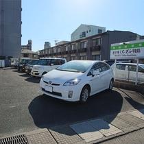 駐車場敷地内11台+提携駐車場
