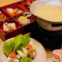 絶品の春の食材たっぷりの豆乳鍋(1周年記念プラン限定の献立)