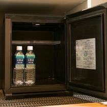 お部屋設備(冷蔵庫・ミネラルウォーター)