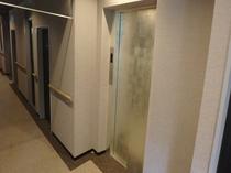 エレベーター(本館のみ)