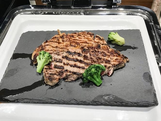 熱々のステーキ